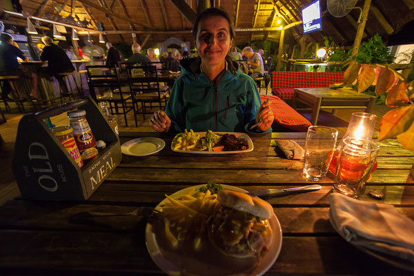 Abendessen im Old House, Kasane