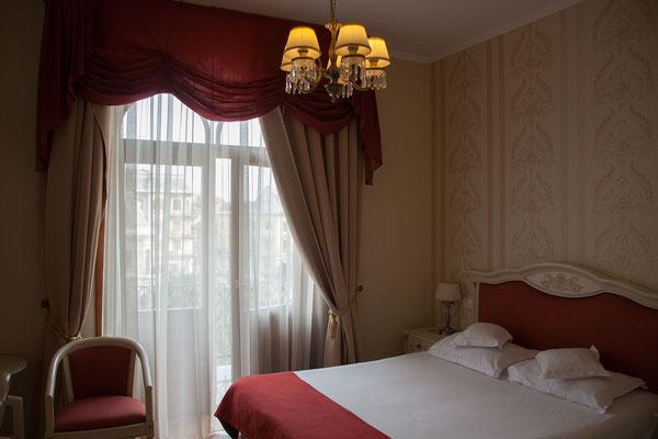 11.6. Die erste Nach verbringen wir im Grand Hotel Astoria in Oradea.