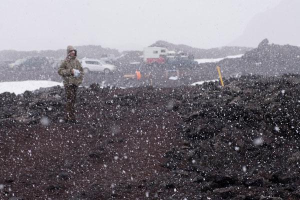 1.8. Rückweg durch die Aska Caldera - Schneesturm