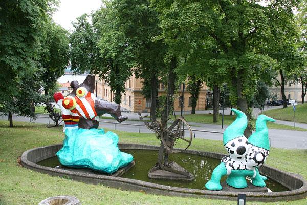 Skeppsholmen, Moderna Museet (Skulpturen von Nikki de Saint Phalle & Jean Tinguely)