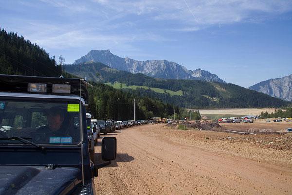 Die Erzbergwanderung führt uns auf den Erzberg-Gipfel (1465 m).