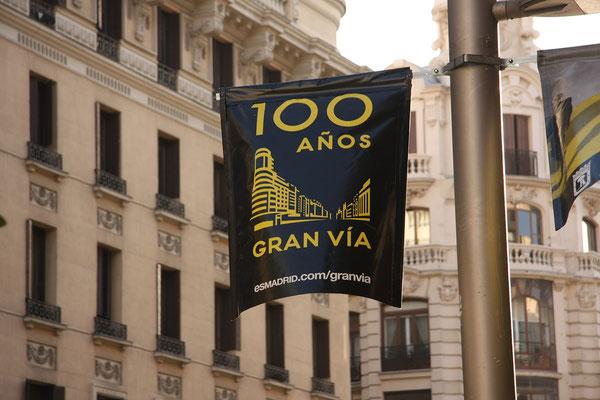 25.09. Die Gran Vía ist Madrids Einkaufs- und Prachtstraße.