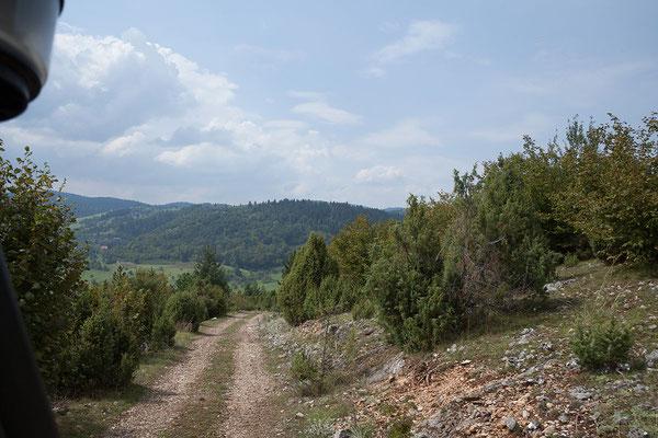 12.9. Über eine schöne Nebenstrecke geht es in Richtung Pljevlja.
