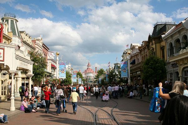 11.06. Disneyland Paris