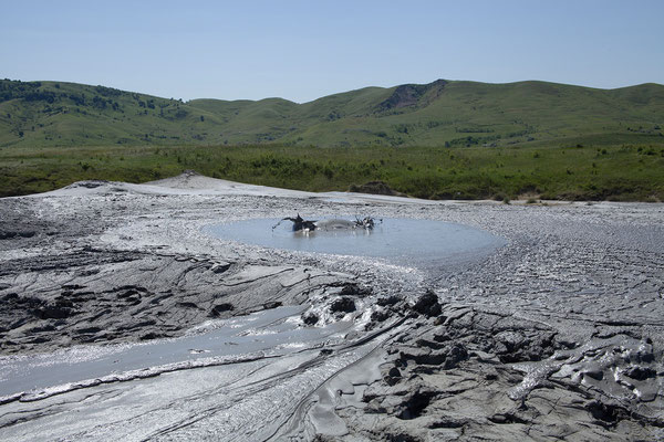 07.06. Vulcanii Noroioși - im Gebiet der Schlammvulkane blubbert und dampft es