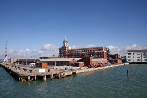 16.09. Historic Dockyard