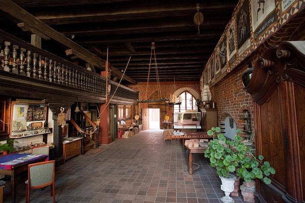 23.7. Stralsund -  Im Inneren eines mittelalterlichen Giebelhauses in der Frankenstraße.
