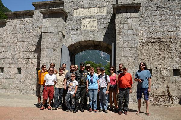 Unsere Gruppe in der Festung Kluže (Flitscher Klause).