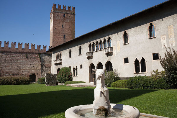 24.09. Verona - Das Castelvecchio ist eine im 14. Jh. von den Skaligern errichtete Burganlage.