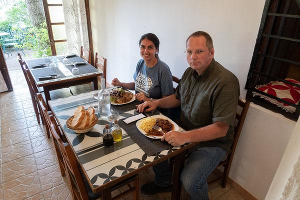 31.05. In Olmi-Cappella essen wir ausgezeichnet zu Mittag: Lamm- bzw. Kalbsragout