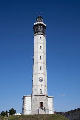 31.08. Der 1848 erbaute Leuchtturm von Calais ist 55m hoch und bietet eine hervorragende Aussicht auf die Stadt und den Hafen.