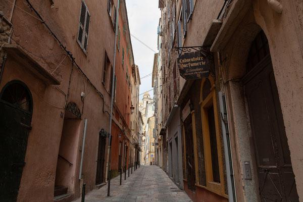 06.06. Bis Bastia ist es nicht weit. Wir haben Zeit für einen aufgiebigen Besuch der Stadt.