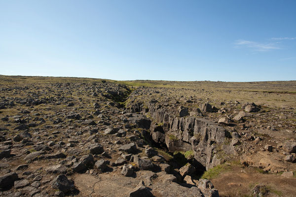13.8. Ausflug in den Vulkan Þríhnúkagígur - Rückweg über das Lavafeld - Silfra Spalte