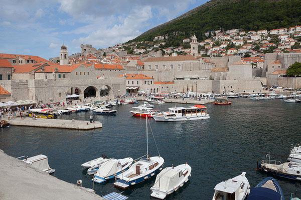 21.09. Dubrovnik - Von der Stadtmauer bieten sich uns viele tolle Ausblicke (Alter Hafen)