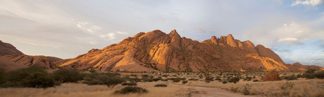 22.2. Spitzkoppe Community Camp