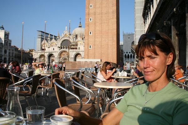 13.09. Ein Kaffee im Café Florian am Markusplatz muss sein!