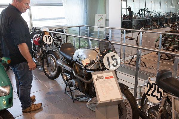 25.09. Museo Nicolis