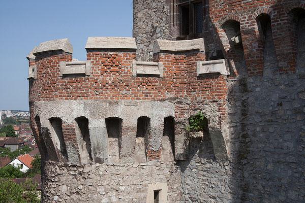 14.06. Das Castelul Corvinilor in Hunedoara aus dem 14. Jh. ist eine Bilderbuchburg,