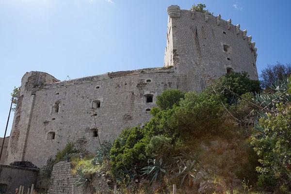 20.09. Kap Oštro, Halbinsel Prevlaka: Das Seefort Mamula ist eine durch österreichisch-ungarische Truppen 1850 erbaute Festung.