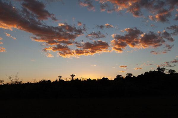13.02. Wieder ein wunderschöner Sonnenuntergang.