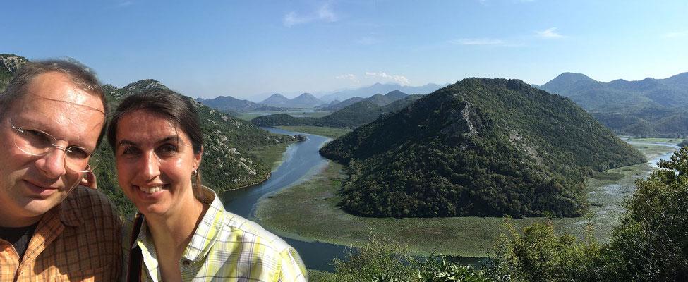 15.9. Auf dem Weg nach Rijeka Crnojevića haben wir einen tollen Ausblick auf den Skadarsko Jezero.
