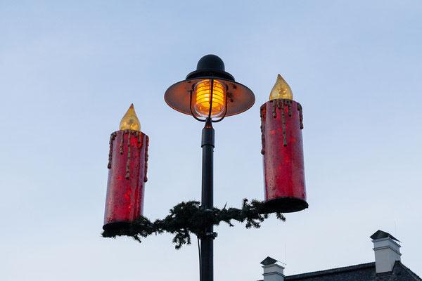 Der Advent in St. Gilgen ist durch die berühmten roten Kerzen geprägt!