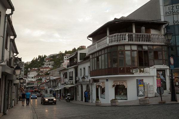 17.9. Die quirlige Balkanstadt Ulcinj vermittelt einen lebendigen und einladenden Eindruck.