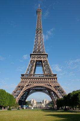 13.06. Der erste Weg führt uns heute zum Eiffelturm.