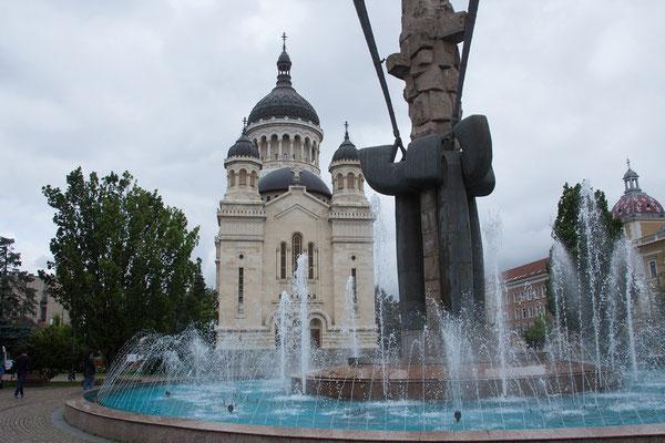 17.06. Cluj: Piața Avram Iancu mit Catedrala Ortodoxă