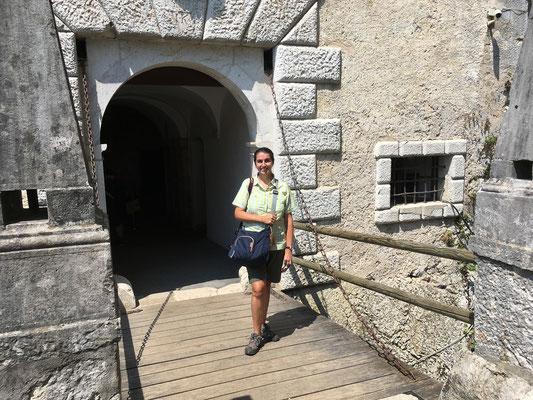 21.06. Burg Predjama