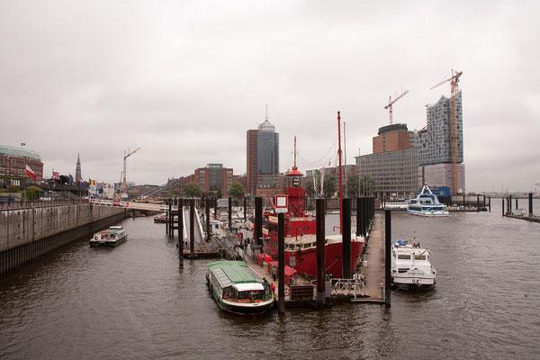 22.07. Hamburger Hafen mit Feuerschiff & Elbphilharmonie
