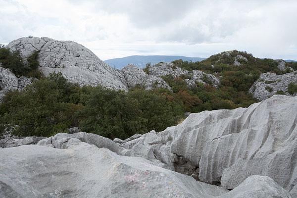 19.9. Orjen Gebirge - Das eindrucksvolle Karstgebirge zeichnet sich durch überdurchschnittliche Regenmengen aus.