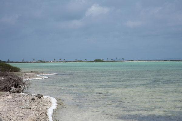 Blick von Red Slave zum Pink Beach