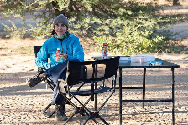 17.05. Kalahari Bush Breaks - In der Früh ist es schon recht frisch (5°C)!