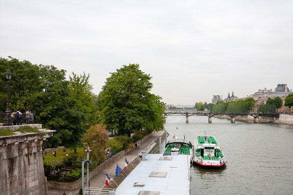 12.06. Blick auf den Louvre