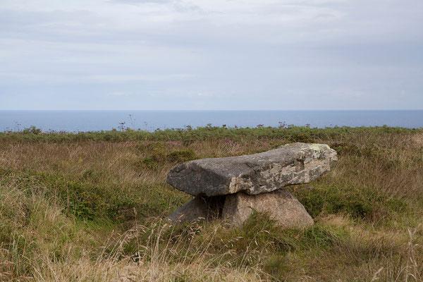 08.09. In der Heidelandschaft um Zennor finden wir Erinnerungen an die Bergbau-Vergangenheit der Region und Relikte aus der Bronzezeit.
