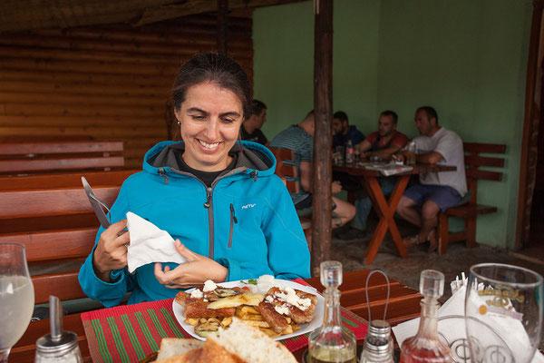 5.9. Während das Balkantief zeigt, was es kann, essen wir ausgezeichnet: Ćevapi & Pljeskavica