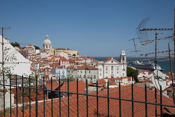 15.09. Miradouro de Santa Luzia: Blick auf die Alfama