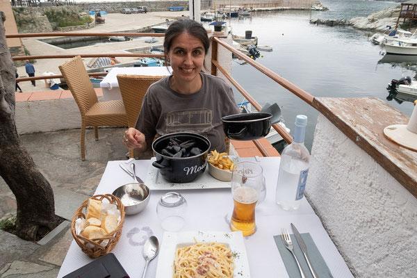 28.05.  Centuri Port, Moules zum Abendessen
