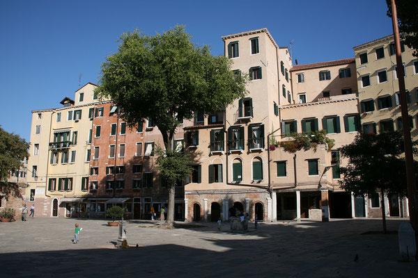 12.09. Campo Ghetto Nuovo im jüdischen Viertel, einem bezaubernden ruhigen Teil von Cannaregio mit wenigen Touristen.