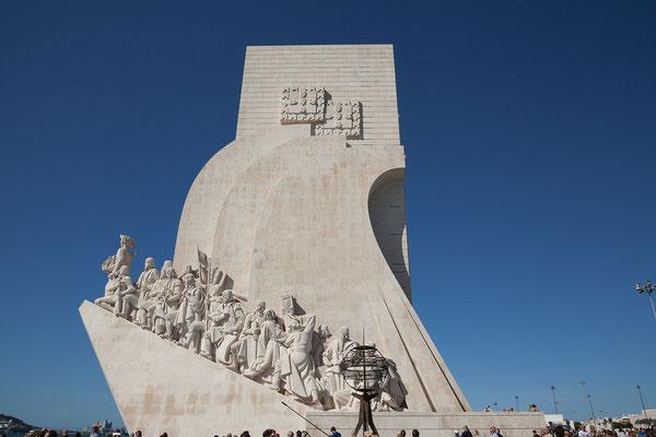 16.09. Auf dem Padrão dos Descobrimentos sind die Heroen der portugiesischen Seefahrt aufgereiht.