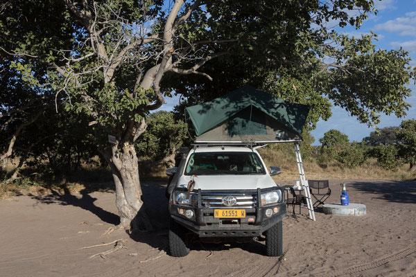 06.05. Chobe NP - Savuti Campsite; nach einem schnellen Frühstück unternehmen wir einen Gamedrive.