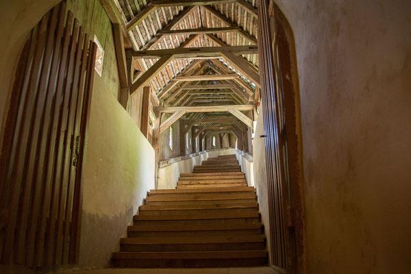 15.6. Biertan - Die Kirchenburg wurde 1993 zum UNESCO-Weltkulturerbe erklärt. Der innere, älteste Mauerring der Burg wird auf Ende des 14. oder Anfang des 15. Jahrhunderts datiert.