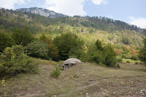 14.9. Vermosh, die Bunker in Albanien entstanden zw. 1972 und 1984 unter der Herrschaft Enver Hoxha's.