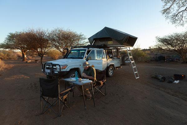 ... und fahren gleich zum Bush Camp, wo wir uns einen tollen Platz aussuchen.