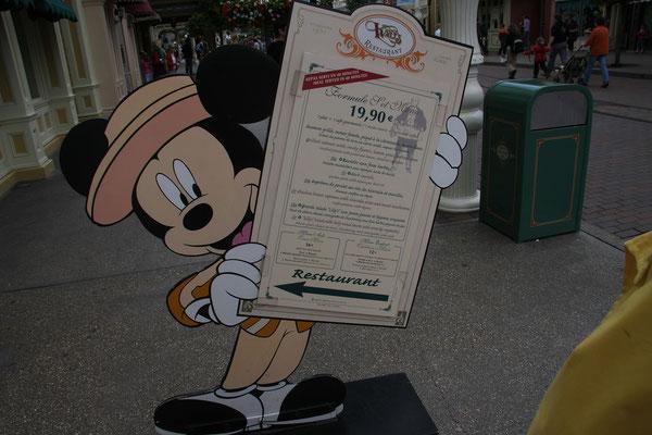 11.06. Disneyland Paris: auch ein leckeres Essen darf nicht fehlen!