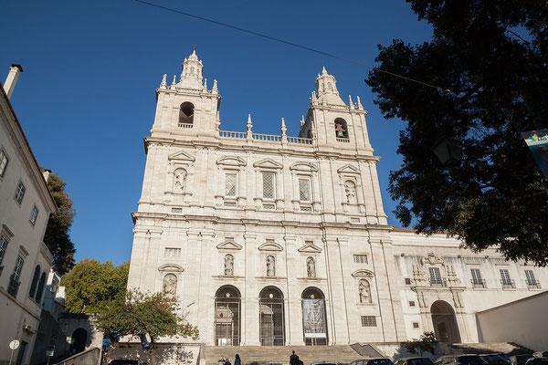 17.09. Unterwegs mit der Straßenbahn Nummer 28: Mosteiro de São Vicente de Fora
