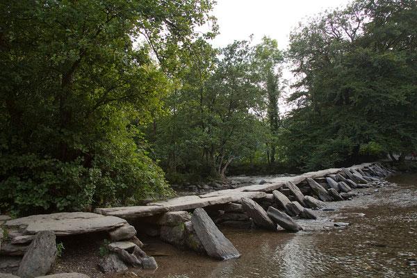 05.09. Die Tarr-Steps sind eine Clapper-Bridge aus 17 großen Sandsteinplatten.