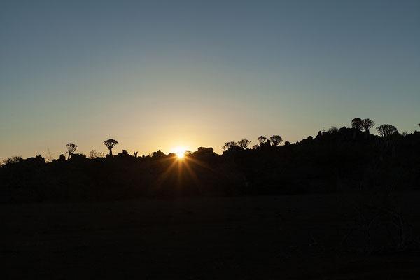 12.02. Die Sonnenuntergänge hier sind besonders toll!