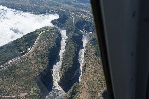 Victoria Falls, Zambesi mit Lookout Café